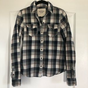 Abercrombie & Fitch Plaid Flannel Button Up Shirt